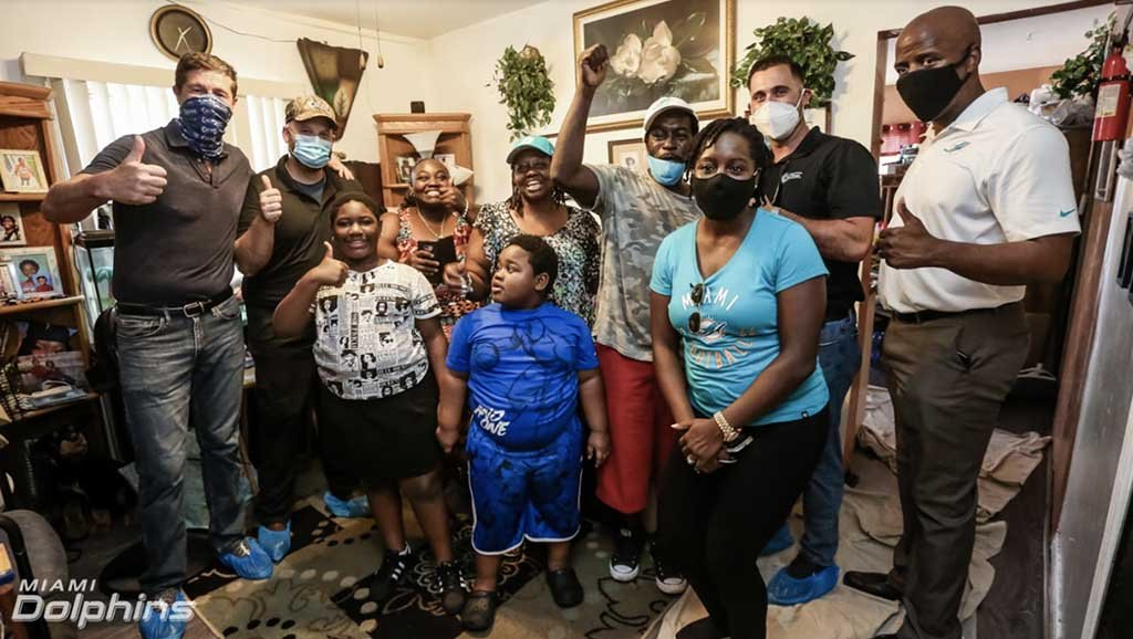 Miami Dolphins and Air Pros USA Present Miami Family with New Air Conditioning Unit