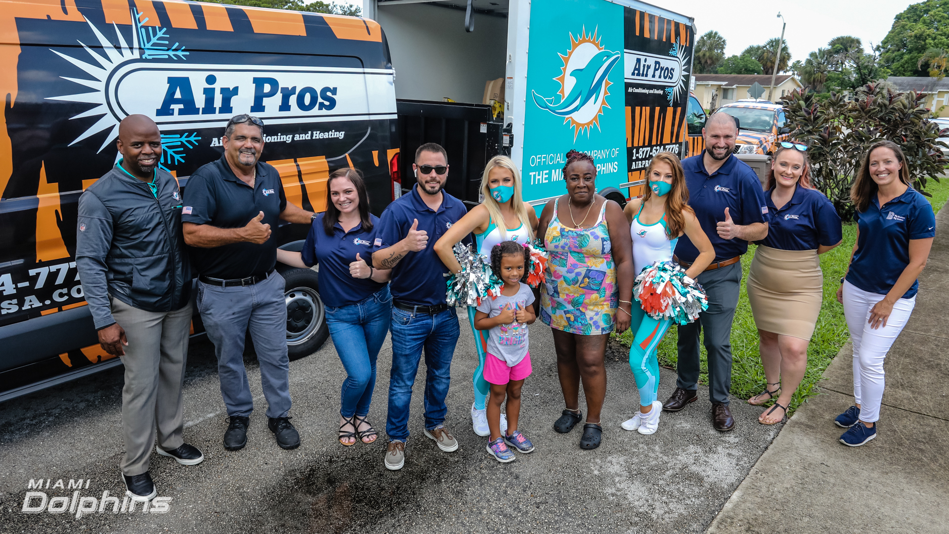 The Miami Dolphins partake in  AirPros Surprise Donation at Ft Lauderdale FL, on July 8th, 2021. (Jose A. Pineiro/Miami Dolphins)