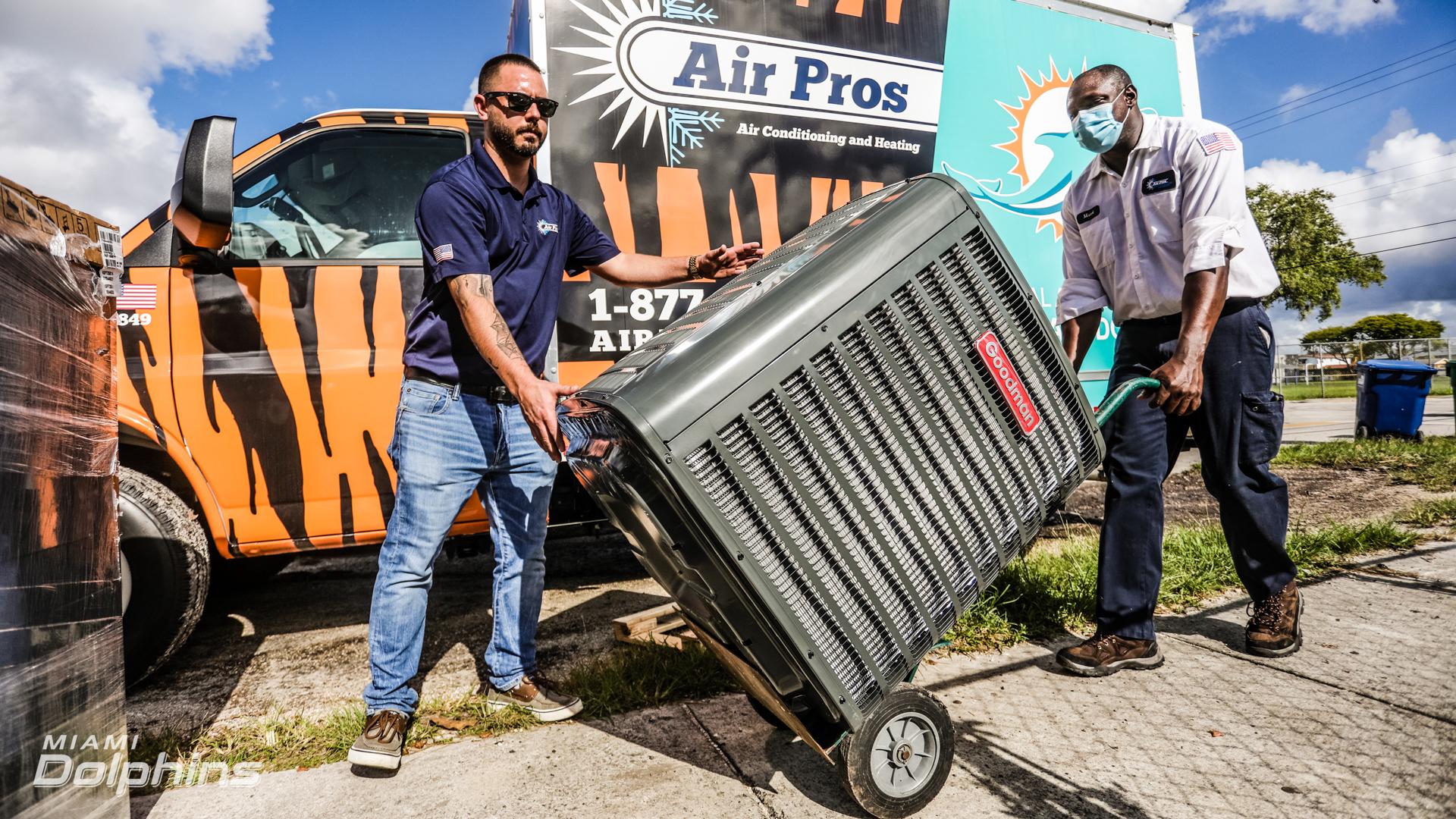 The Miami Dolphins partake in  AirPros Surprise Donation at Miami Gardens, on July 15th, 2021. (Jose A. Pineiro/Miami Dolphins)